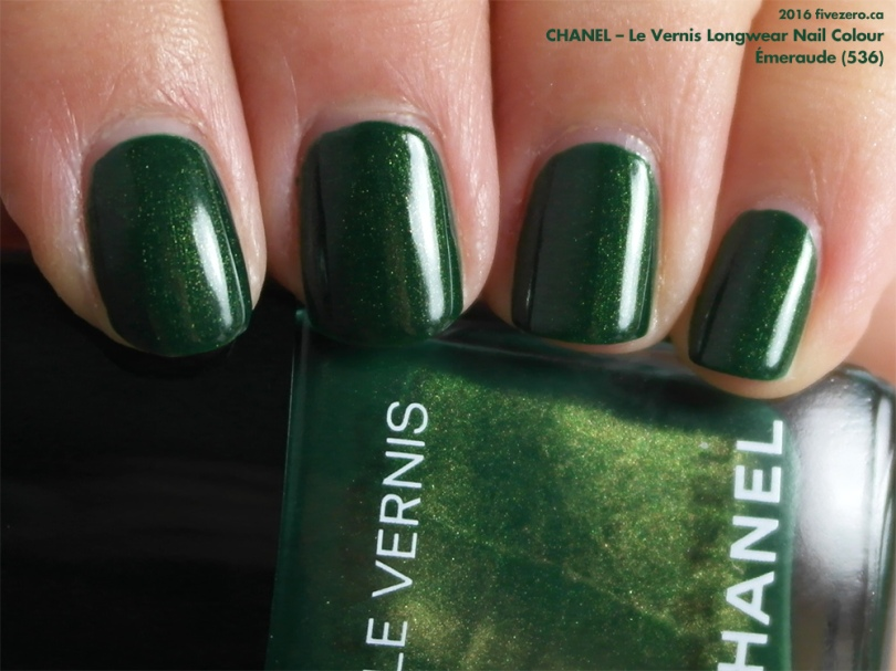 Chanel Le Vernis Longwear Nail Colour in Émeraude, swatch